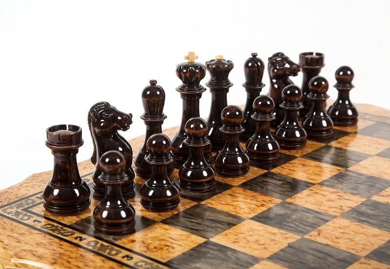 Шахматы из карельской березы Онего вид 4