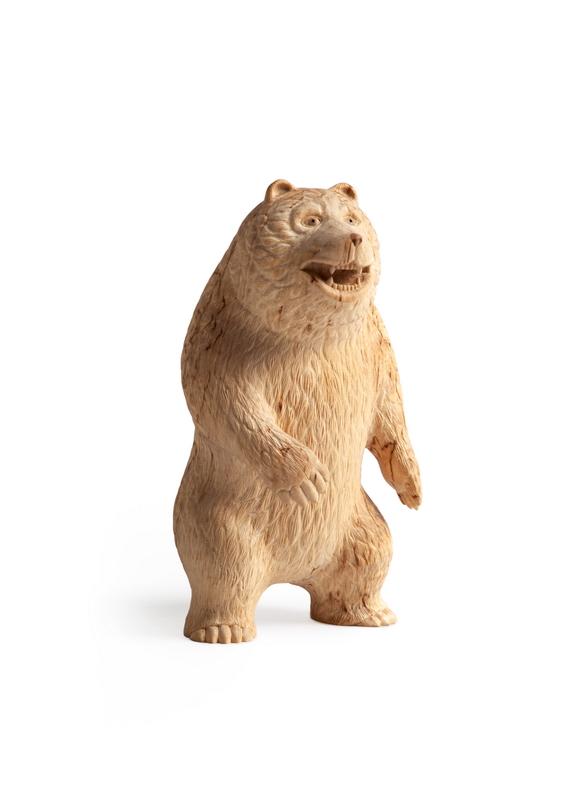 Медведь стоящий
